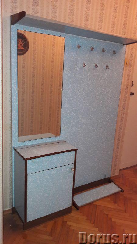 Вешалка-прихожая - Мебель для дома - Продаю вешалку-прихожую. Она состоит из небольшой тумбочки, зер..., фото 1