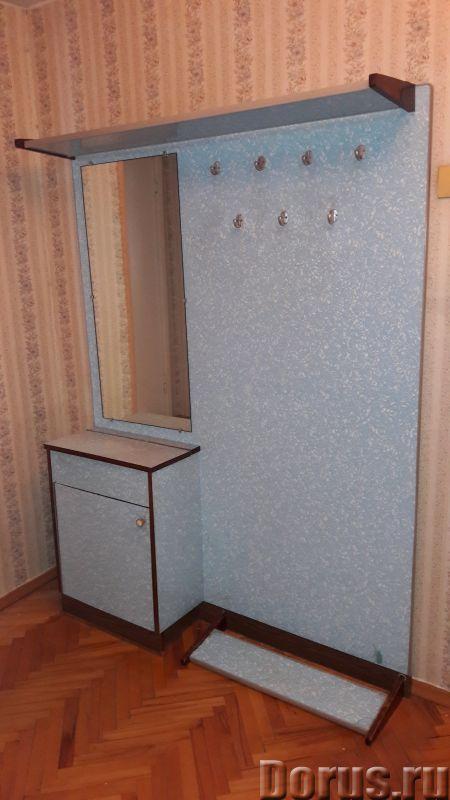 Вешалка-прихожая - Мебель для дома - Продаю вешалку-прихожую. Она состоит из небольшой тумбочки, зер..., фото 2