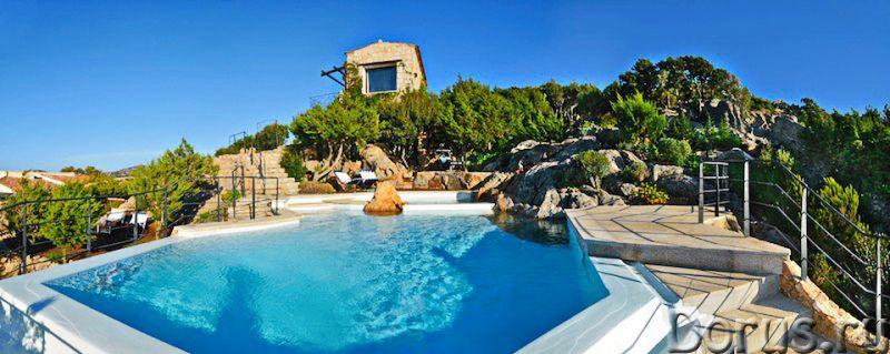 Люкс вилла на севере Сардинии, у моря, для отдыха - Недвижимость за рубежом - Люкс вилла на 1 линии..., фото 2