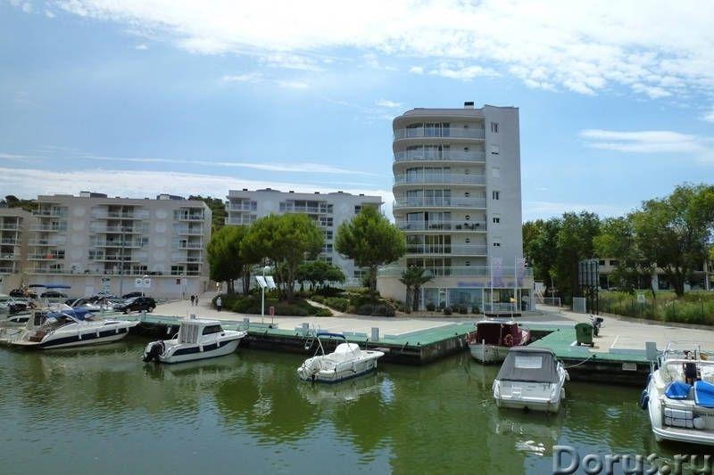 Квартиры нового комплекса с бассейном в престижном курортном городке на побережье Коста Брава - Недв..., фото 8