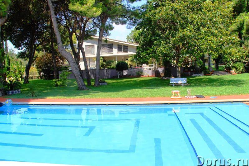 Вилла с бассейном в 100 м. от моря на побережье Коста Дорада - Недвижимость за рубежом - Вилла с бас..., фото 1