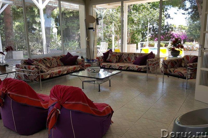 Вилла с бассейном в 100 м. от моря на побережье Коста Дорада - Недвижимость за рубежом - Вилла с бас..., фото 3
