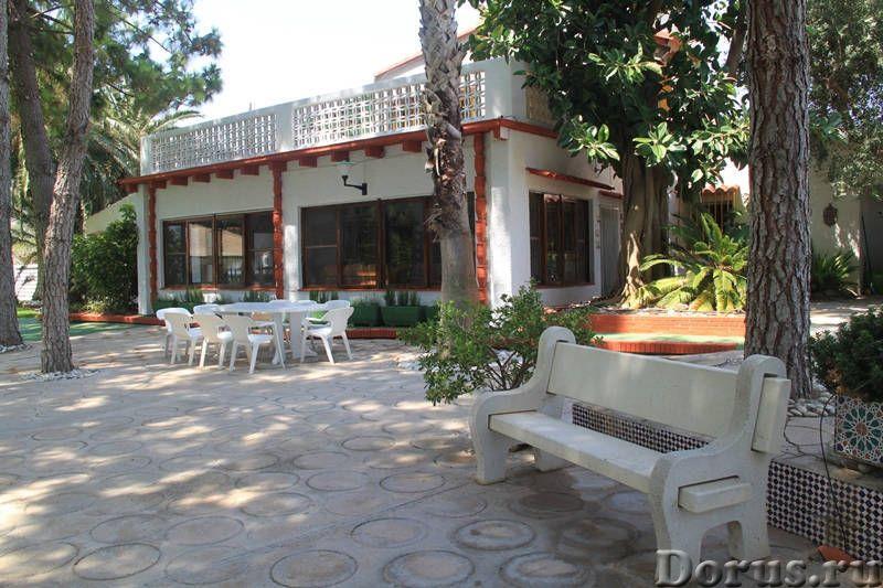 Вилла с бассейном в 100 м. от моря на побережье Коста Дорада - Недвижимость за рубежом - Вилла с бас..., фото 6