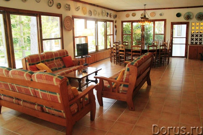 Вилла с бассейном в 100 м. от моря на побережье Коста Дорада - Недвижимость за рубежом - Вилла с бас..., фото 7