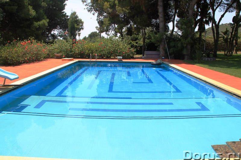 Вилла с бассейном в 100 м. от моря на побережье Коста Дорада - Недвижимость за рубежом - Вилла с бас..., фото 10